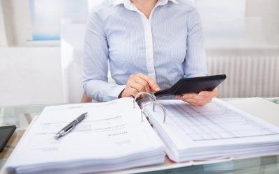 Czybiuro rachunkowe musi być podatnikiem VAT?