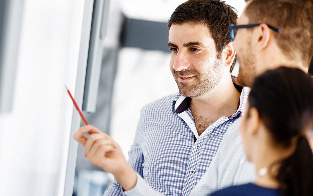 Jak systemy HR pomagają worganizacji ocen pracowniczych, zarządzaniu celami iprzekazywaniu informacji zwrotnej? [WEBINARIUM]